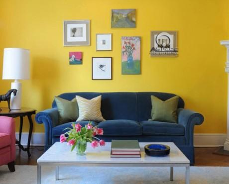 Phòng khách cá tính với màu sơn vàng